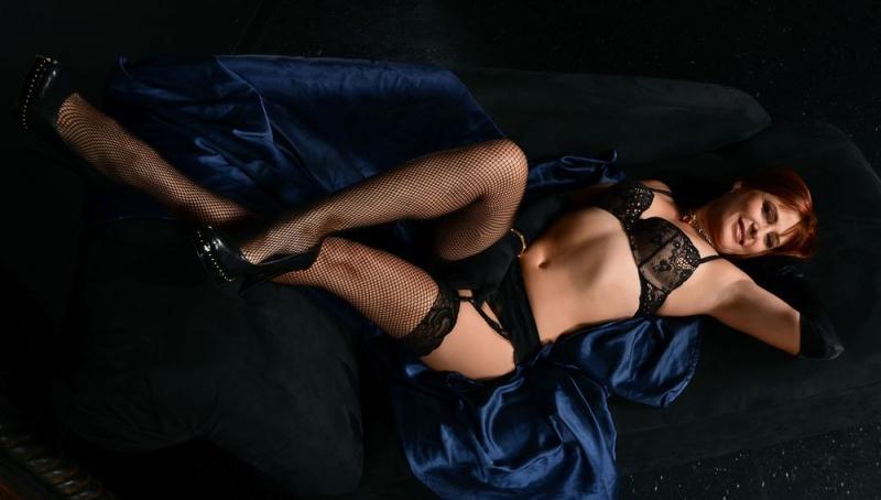 Sexy Selena